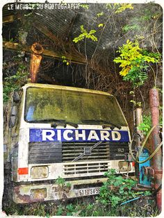 Camion Richard abandonnée. Illustration - Le Meuble Du Photographe