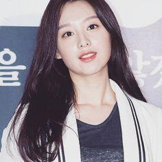 Kim ji won Kim Ji Won, Kim Go Eun, Korean Beauty, Asian Beauty, Park Min Young, Kim Woo Bin, Korean Star, Korean Actresses, Celebs