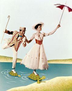 Dick Van Dyke and Julie Andrews in Mary Poppins directed by Robert Stevenson, 1964 Walt Disney, Disney Films, Disney Love, Disney Magic, Disney Pixar, Disney Art, Disney Stuff, Mary Poppins 1964, Mary Poppins Movie