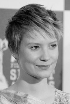 Pixie-haircut-for-round-faces.jpg 500×742 pixels