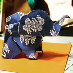 Making some #origami #elephant #papercraft by opaquelion