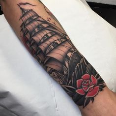 Thanks Antonio for getting another one , wraps a bit... @blackgardentattoo @blackngoldlegacy #ship #tattoo #shiptattoo #rose #oldwoodenship #london