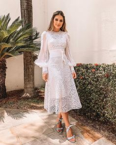 Looks for civil wedding to use in winter - Wedding Feed : Leading Wedding & Bride Magazine Simple Dresses, Cute Dresses, Beautiful Dresses, Prom Dresses, Sleeve Dresses, Skirt Outfits, Dress Skirt, Lace Dress, Dress Up
