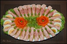 food decoration Fruit And Vegetable Carving, Veggie Tray, Cute Food, Good Food, Yummy Food, Rainbow Snacks, Meat Platter, Food Sculpture, Food Decoration