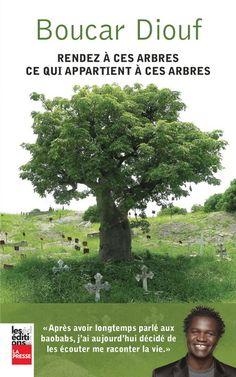 Quels sont les liens entre les humains et les arbres? Qu'avons-nous à apprendre de ces géants? Les entendez-vous nous parler?Des baobabs de son enfance aux bouleaux du Bas-du-Fleuve, Boucar Diouf a toujours été fasciné par le monde des plantes. Aujourd'hui, après avoir longtemps écouté les arbres, il leur donne la parole dans ce livre où se croisent la biologie, la poésie et l'humour.Sous forme de conte, ce grand humaniste nous parle de la vie, de la mort, de sa famille, de sa relation…