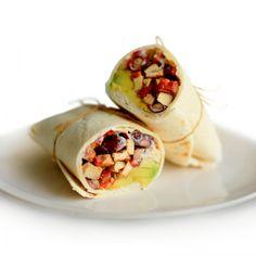 Wrap s tofu, červenou fazuľou a avokádom - Ľahké recepty Tofu, Tacos, Mexican, Ethnic Recipes, Cilantro, Hokkaido, Mexicans