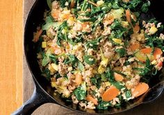 Turkey-Veggie Skillet Casserole Looking for new ways to cook with ground turkey (besides those tried-and-true turkey burgers)? Discover a satisfying, low-cal dish that combines turkey with a colorful array of veggies. Mix in high-fiber brown rice and this one-skillet dish leaves you only one pan to clean—hooray!
