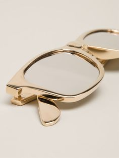 #MaisonMartinMargiela glasses bracelet http://www.farfetch.com/shopping/women/maison-martin-margiela-glasses-bracelet-item-10852327.aspx?storeid=9352&ffref=lp_1_