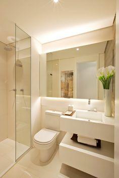 modern Bathroom by Chris Silveira & Arquitetos Associados ✫♦๏☘‿FR Sep 20 , ✤ ❀‿❀ ✫❁`💖~⊱🌹🌸🌹⊰~❥ ༺✿༻♛༺ ♡~♥⛩ ⚘☮️❋ Bathroom Design Luxury, Bathroom Layout, Modern Bathroom Design, Bathroom Small, Small Sink, Mirror Bathroom, Bathroom Ideas, Warm Bathroom, Modern Small Bathrooms