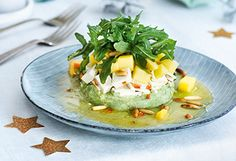 Avocado-Tofu-Türmchen mit Mango und Rucola Tofu, Chili, Baked Potato, Potatoes, Eggs, Baking, Fett, Breakfast, Ethnic Recipes