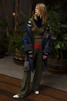See the complete Missoni Pre-Fall 2018 collection.