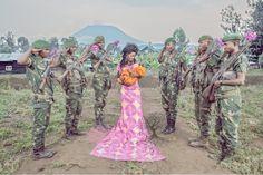 El reportaje fotográfico de Patricia Willocq realiza un viaje a través de los momentos más importantes de la vida de una niña estigmatizada por la violación de guerra, Esther. La serie la protagonizan mujeres de varias edades que representan esas etapas