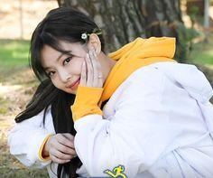 Kim Jennie, Yg Entertainment, Rapper, Blackpink Members, Kpop Couples, Blackpink Video, Kim Jisoo, Blackpink Photos, Blackpink Fashion