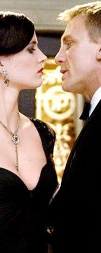 James Bond and Vesper Lynd Casino Royale, 2006 Rachel Weisz, James Bond Theme, Daniel Craig James Bond, Bond Girls, People Of Interest, Movie Couples, Skyfall, Casino Royale, Eva Green
