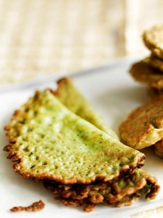 spinach pancakes are a Finnish delicacy! Real Food Recipes, Vegetarian Recipes, Snack Recipes, Cooking Recipes, Snacks, I Love Food, Good Food, Yummy Food, Savoury Baking