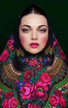 Foto Portrait, Portrait Photography, Photografy Art, Mode Russe, Ethno Style, Russian Fashion, Russian Style, Fashion Photography Inspiration, Costume