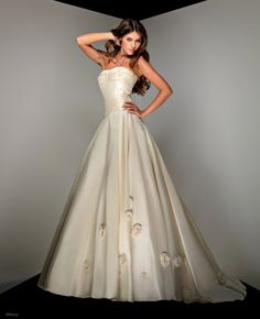 Disney Princess Wedding Dresses For Your Fairy Tale Wedding: Disney's Belle Wedding Gown 1