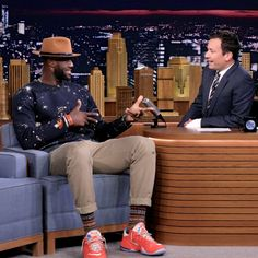 LeBron James wearing his new bespoke 3x1 jeans on The Tonight Show with Jimmy Fallon. ‪