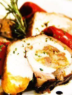 Lomo de cerdo relleno con almendras by www.vinosyrecetas.com