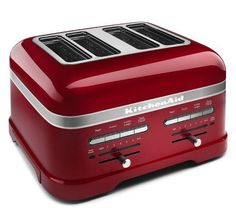 This KitchenAid 4 Slice Toaster with an auto sensor to Lower and Lift toast, in Candy Apple Red. This 4 slice Toaster is part of the KitchenAid ProLine Collection Candy Apple Red, Candy Apples, Red Apple, Kitchenaid Pro, Kitchenaid Artisan, Small Kitchen Appliances, Kitchen Tools, Home Appliances, Kitchen Stuff