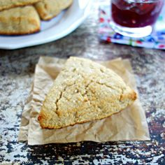 Healthy Oat and Coconut Flour Scones 5 ingredients, Vegan, Gluten-Free, Nut-Free Gluten Free Baking, Healthy Baking, Vegan Gluten Free, Dairy Free, Vegan Scones, Vegan Bread, Healthy Scones, Oat Flour Recipes, Coconut Flour Scones Recipe
