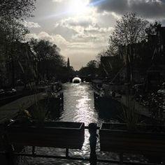 One of my favourite places in town.   #Eenhoornsluis #Haarlemmerbuurt #herfst #zondag #Amsterdam #nofilter