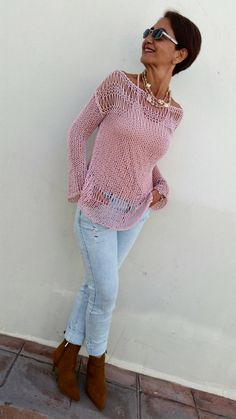 Cotton knit sweater summer loose knit women knit by EstherTgKnitting Patterns Sweaters A soft, light and fresh sweater cotton which makes your summer wonderfully suggestive. This openwork summer .A mushy, mild and recent sweater cotton which makes yo Loose Knit Sweaters, Summer Sweaters, Hand Knitted Sweaters, Cotton Sweater, Pink Sweater, Sweaters For Women, Rosa Pullover, Pullover Pink, Poncho Cape