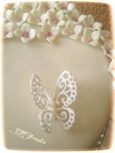 #TMJcreative #royalicing #butterfly #cake #torta #glazúrcsipke #pillangó