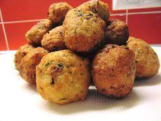 Ρεβυθοκφτέδες με πατάτα !!!Σκέτη νοστιμιά!! Appetisers, Food Styling, Cooking Tips, Vegan Recipes, Muffin, Breakfast, Ethnic Recipes, Drinks, Fine Dining