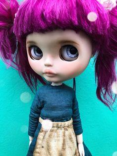 Custom Blythe doll Little Doll, Blythe Dolls, Art Dolls, Addiction, Bb, Disney Princess, Trending Outfits, Friends, Disney Characters