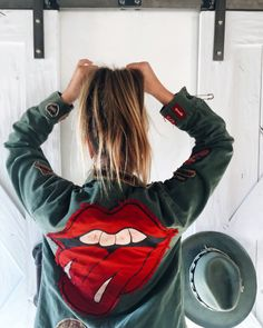 Casual Fall / Winter Look - Fall / Winter Must Haves Collection. - Luxe Fashion New Trends - Fashion for JoJo Estilo Rock, Looks Style, Style Me, Girl Style, Look Fashion, Autumn Fashion, Girl Fashion, Look Jean, Moda Casual