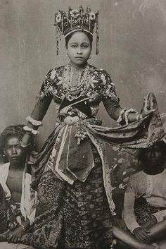 Betawi woman (previously Batavia). Date unknown.