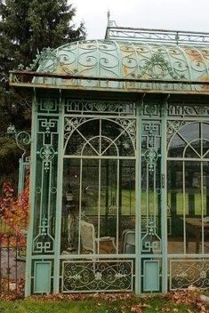 Victorian Conservatory, Victorian Greenhouses, Victorian Gardens, Conservatory House, Victorian Style Homes, Victorian Decor, Victorian Fashion, Victorian Architecture, Art And Architecture