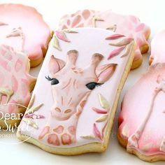 April the giraffe cookies Fancy Cookies, Sweet Cookies, Iced Cookies, Cute Cookies, Cupcake Cookies, Cookies Et Biscuits, Sugar Cookies, Giraffe Cookies, Paint Cookies