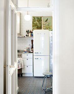Love it! (Sanna Lindberg {white scandinavian kitchen} by recent settlers, via Flickr)