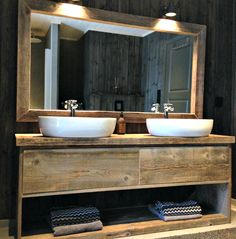 Closefit Bad Cabin Bathrooms, Guest Bathrooms, Wood Bathroom, Modern Bathroom, Building A Cabin, Vessel Sink Vanity, Mountain Cottage, Cabin Interiors, Cabins And Cottages