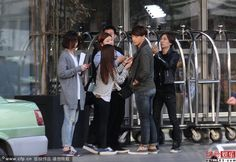 [images] Rain on the Roots of Dew/LuShuiHongYan/Difficult Love movie set. (4/5)