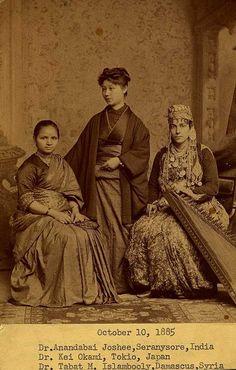 Queste sono le prime tre donne a diventare medici al Medical College of Pennsylvania 1885