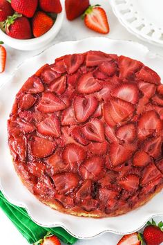 A delicious twist on a classic pineapple upside down cake, this Strawberry Upside Down Cake is perfect for summer. Easy to make! Strawberry Upside Down Cake, Fresh Strawberry Cake, Strawberry Topping, Pineapple Upside Down Cake, Sweets Cake, Cupcake Cakes, Cupcakes, Easy Summer Desserts, Baking Flour