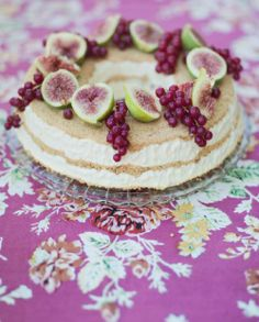 Looks awesome - cheesecake - doesn't look like there is a recipe - Blog in Swedish....