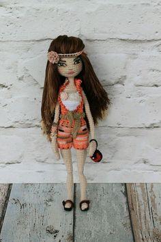 Muñeca Amigurumi Articulada - Patrones gratis Yarn Dolls, Knitted Dolls, Crochet Dolls, Crochet Doll Pattern, Crochet Art, Crochet Patterns, Knitted Animals, Dress Up Dolls, Doll Tutorial