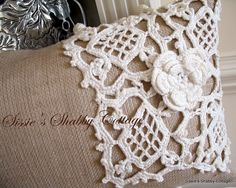 DIY burlap and lace pillow. @Annalise Furman Schroeder, these would be perfect for our shared home. ;)