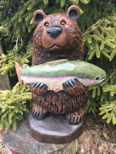 Chainsaw Carved BEAR holding Fish BLACK WALNUT Wood MAN CAVE ONE of a KIND!! #FolkArt Wood Carving Art, Wood Carvings, Sculpture Art, Garden Sculpture, Walnut Wood, Man Cave, Woodworking Projects, Folk Art, Chainsaw Carvings