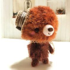 mpcvcocov:: おちびちゃん  手のひらに乗っけて ほっこりにんまり    #あみぐるみ #crochetdoll #ハンドメイド #handmade #ベア #くま #雑貨 #zakka #かき針  #mon petit coco #coco #amigurumi #crochet #毛糸 #ほっこり #ふわふわ