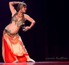 Cristina Hidalgo performs fusion bellydance at The Massive Spectacular!