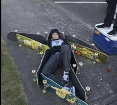Mode Grunge, Skate Shop, Skate Girl, Skater Boys, Skate Style, Kitesurfing, Skateboard Art, Looks Cool, Skateboards