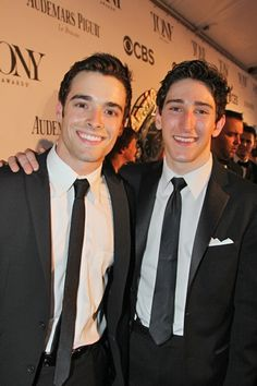 Newsies jack Kelly (left) & David Jacobs (right) Broadway Theatre, Musical Theatre, Sweet Guys, Hot Guys, Ben Fankhauser, Bae, Jack Kelly, Theatre Nerds, Role Models