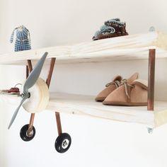 Vliegtuig wandplank via kinderkamerstylist.nl-3