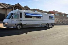 1994 Used Newmar London Aire Class A in Utah UT.Recreational Vehicle, rv, This was Newmars luxury coach on a Spartan Chassis powered by an 8.3 liter 300 hp Cummins coupled to an Allison World Transmission with Air Ride, Air Brakes- lining 90%, a new Pacar Exhaust brake, new shock absorbers, Satellite antenna, Power Awning, UNI Ice Maker, Washer Dryer, automatic HWH Hydraulic Leveling, food processing station. Tires are 80%, batteries are fully serviceable, Inverter Charger is less than a…