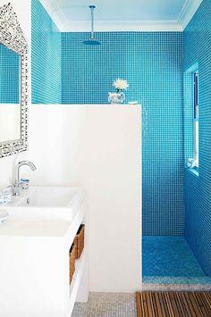 Dec-Greaves-beach-home-blue-white-bathroom-tiles inside this home Cheap Bathroom Tiles, Modern Bathroom Tile, Mosaic Bathroom, Bathroom Tile Designs, Cheap Bathrooms, Bathroom Floor Tiles, Simple Bathroom, Mosaic Tiles, Bathroom Ideas